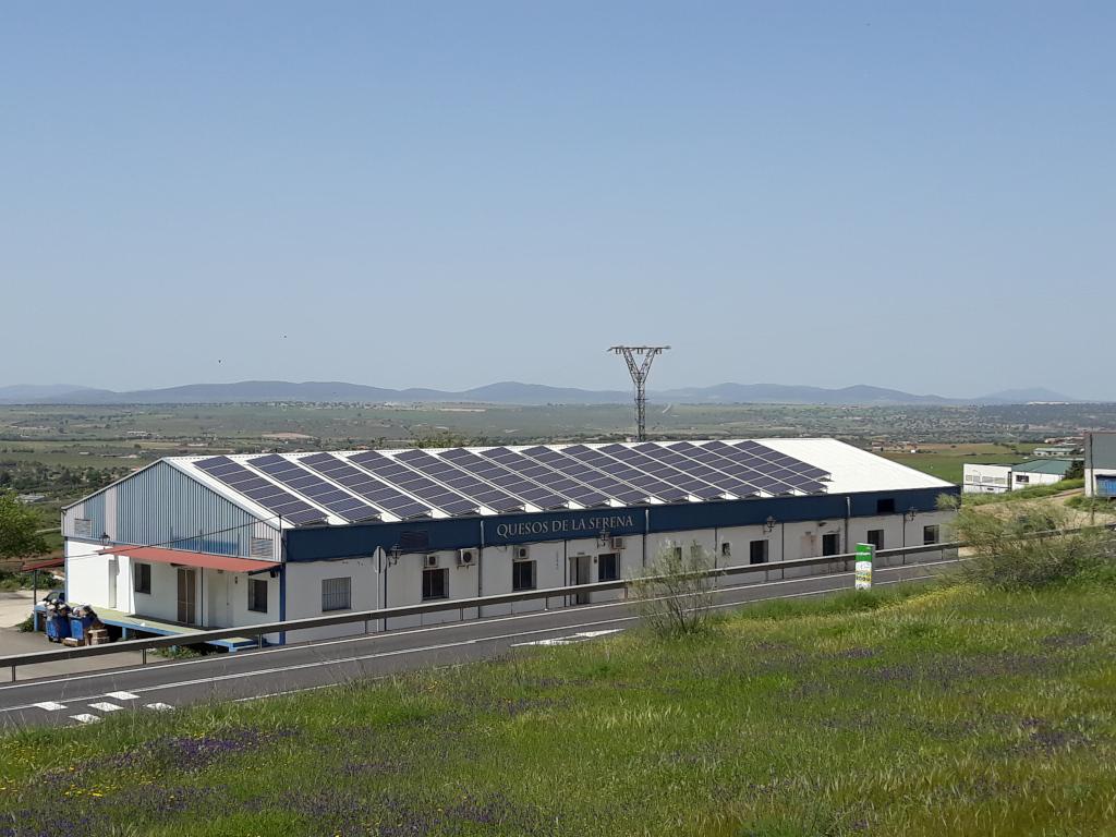 Instalación fotovoltaica de autoconsumo en una Cooperativa Ganadera