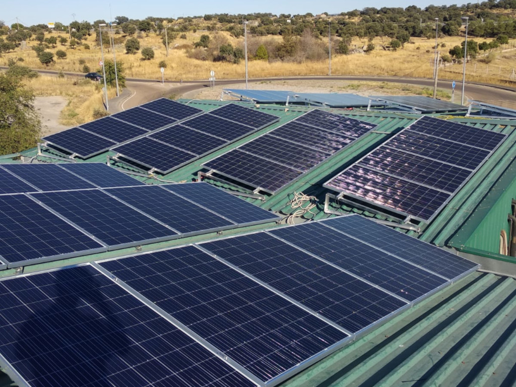 Instalación fotovoltaica de autoconsumo en cubierta de instalaciones de Cooperativa Cárnica