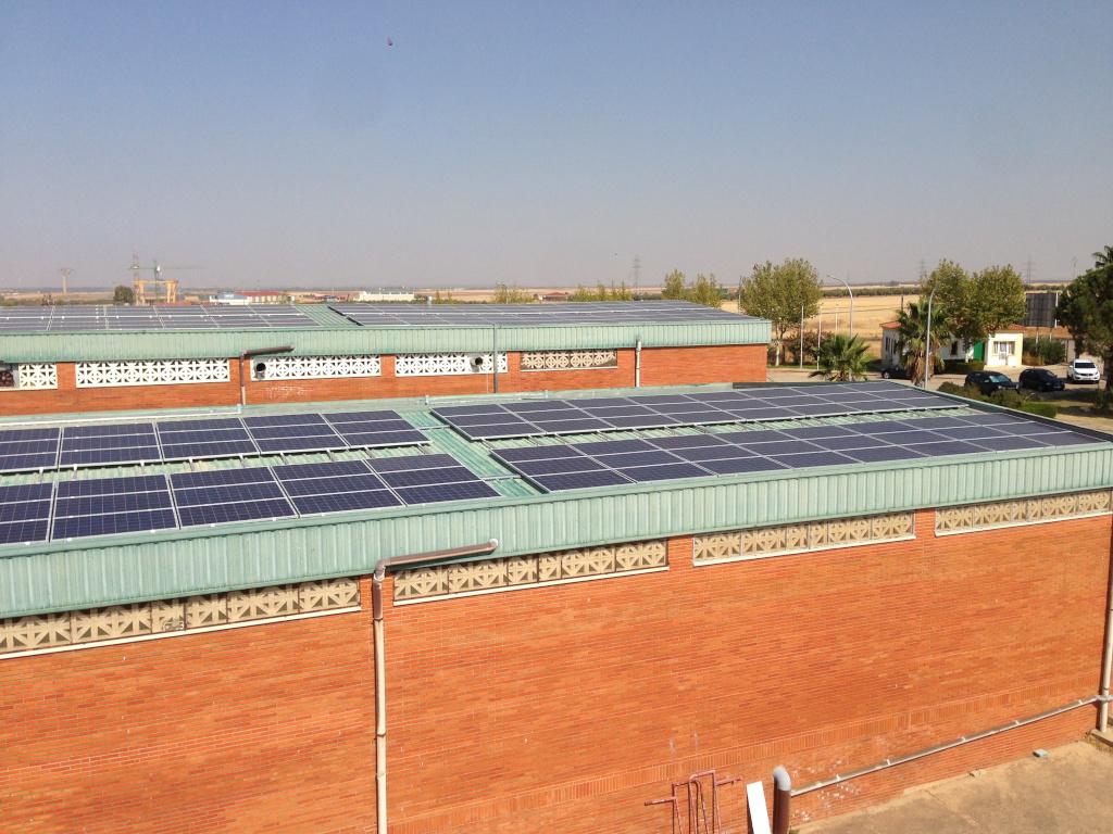 Instalación fotovoltaica de autoconsumo en en cubierta de instalaciones de Cooperativa Cárnica